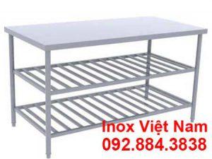 ban-bep-inox-3-tang-co-ke-duoi