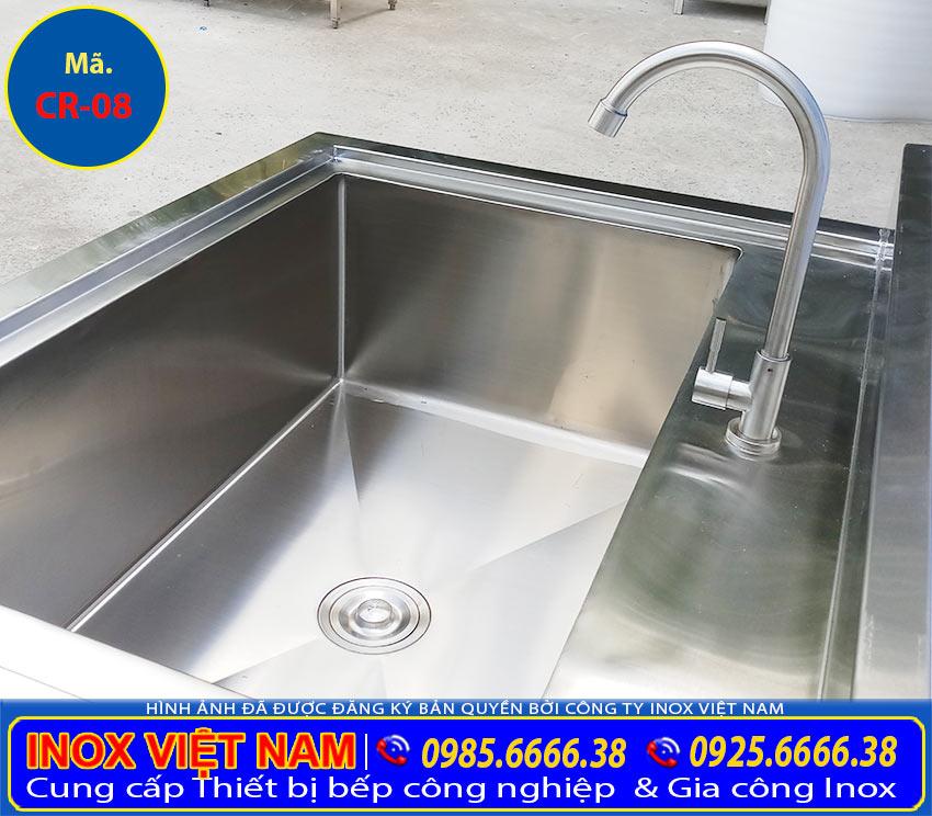 Chậu rửa inox đôi có lỗ xả rác, bồn rửa chén inox có chân, máng rửa tay inox được gia công từ chất liệu inox 304 cao cấp bền đẹp (Ảnh thật tế).