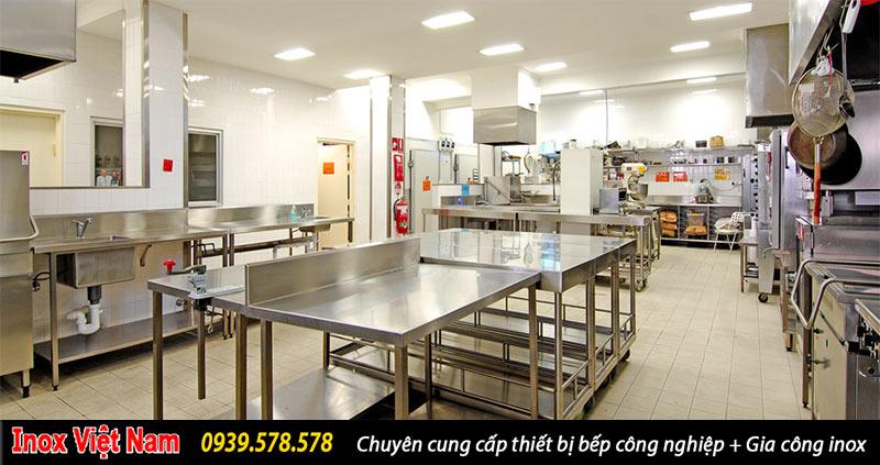 Thiết kế bếp công nghiệp vô cùng hợp lý, khoa học