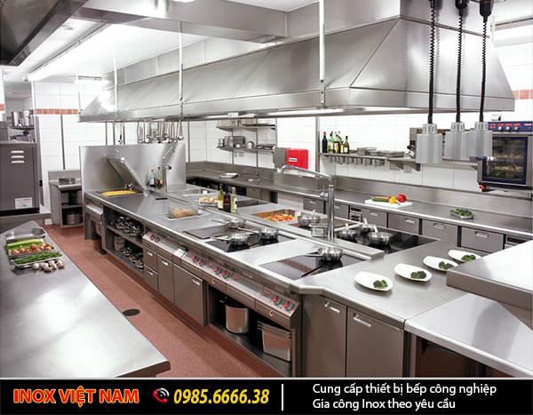 Thiết bị bếp nhà hàng khách sạn cần thiết kế theo nguyên tắc 1 chiều