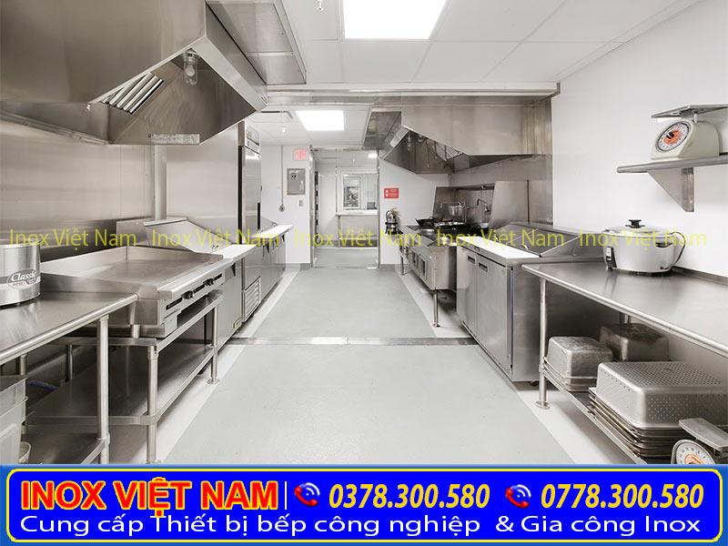 bàn bếp inox, bàn bếp nhà hàng, bàn bếp công nghiệp, bàn bếp inox công nghiệp, bàn inox 304, bàn chặc inox, bàn sơ chế inox, báo giá bàn bếp inox công nghiệp.