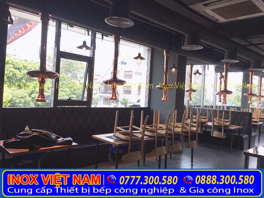 Không gian quán đẹp, sang trọng, mang nét riêng biệt nhờ lắp đặt hệ thống hút khói nhà hàng của Inox Việt Nam.