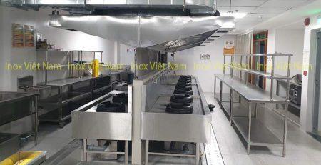 Lắp đặt hệ thống hút khói bếp nhà hàng, chụp hút mùi bếp công nghiệp mang đến sự sang trọng. Giữ gìn cho không gian bếp vệ sinh an toàn thực phẩm.