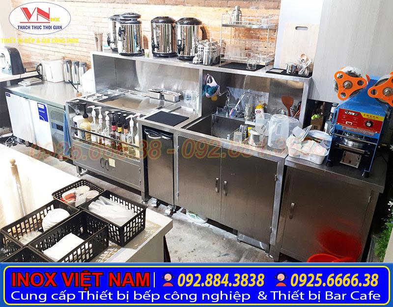 Quầy bar inox, quầy trà sữa, quầy bar cafe với phong cách hiện đại, chuyên nghiệp.