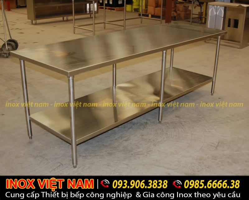 Mua bàn bếp inox, bàn ăn inox, bàn inox công nghiệp thiết kế đẹp, kiểu dáng sang trọng hiện đại.