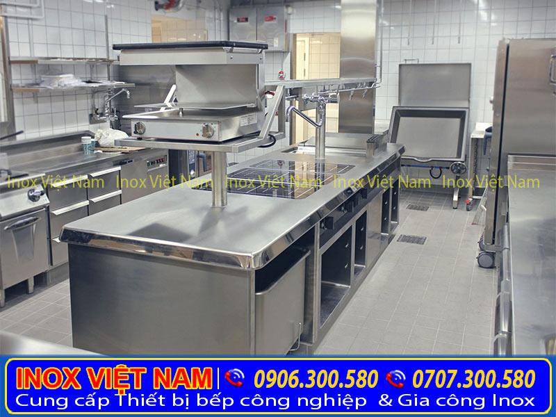 Bàn bếp inox, bàn ăn inox, bàn bếp inox công nghiệp mang thương hiệu Inox Việt Nam với kiểu dáng đẹp sang trọng, chất lượng inox cao cấp.