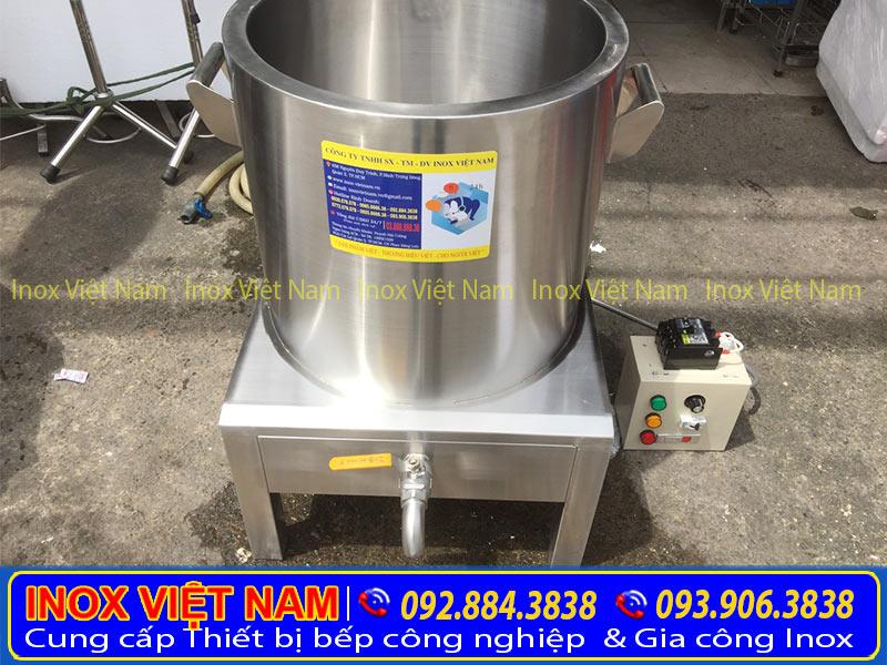 Nồi điện nấu phở của Thiết bị bếp inox công nghiệp. Được phủ lớp cách nhiệt rất dày giúp giữ nhiệt. Đảm bảo an toàn cho những người xung quanh.