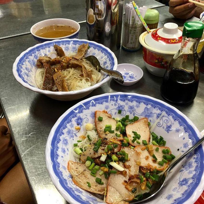 Bí quyết nấu nước lèo hủ tiếu người Hoa, hủ tiếu mì xá xíu siêu hấp dẫn.
