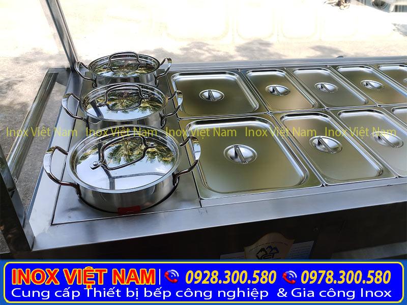 Với thiết kế sang trọng, cùng với độ dài tuổi thọ. Khay tủ hâm nóng thức ăn của Thiết bị bếp inox công nghiệp được gia công từ loại inox cao cấp 304.