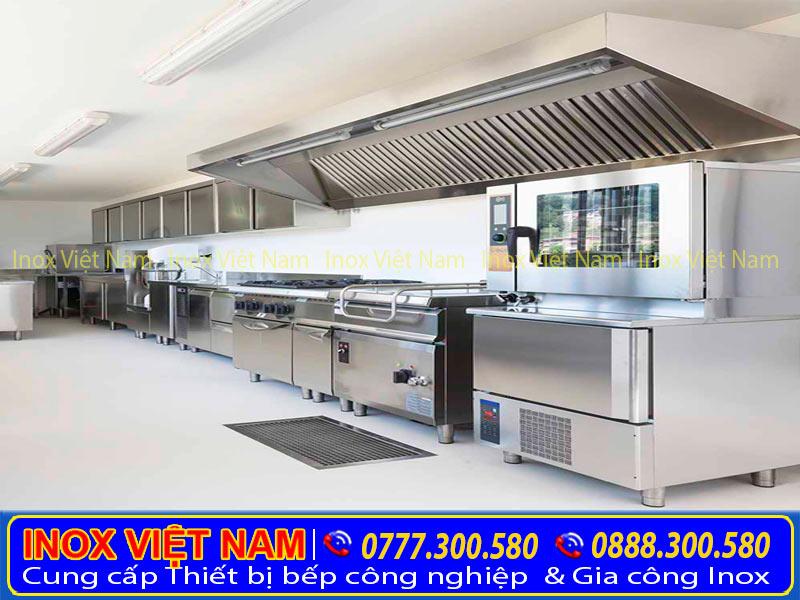 Inox Việt Nam lắp đặt hệ thống chụp hút mùi bếp công nghiệp, hệ thống hút khói nhà hàng.