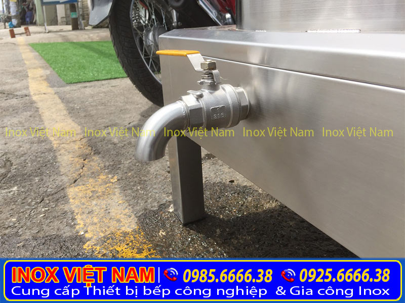 Van xả nồi nấu phở điện, nồi nấu hủ tiếu bằng điện của Inox Việt Nam.