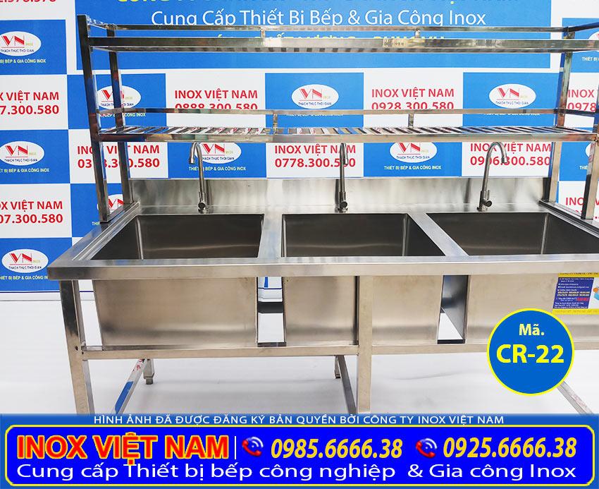 Gia công kích thước chậu rửa công nghiệp 3 ngăn lớn có kệ trên, các mẫu chậu rửa công nghiệp với kích thước theo đơn đặt hàng (Ảnh thật tế).