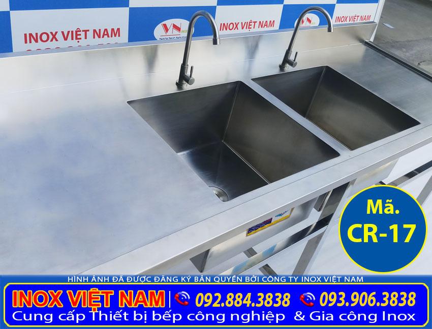Thiết bị bếp inox công nghiệp - Địa chỉ mua chậu rửa đôi inox công nghiệp, bồn rửa chén đôi inox 304 2 cánh, chậu rửa inox có chân giá tốt tại TPHCM (Ảnh thật tế).