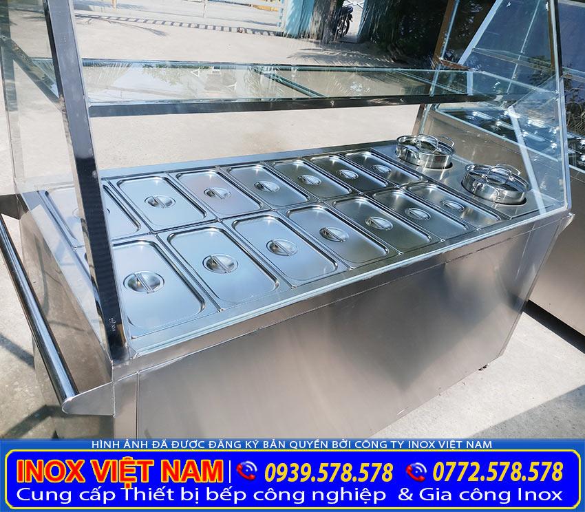 Tủ hâm nóng thức ăn công nghiệp với thiết kế phần khung và khay hâm nóng thức ăn. Được gia công từ chất liệu inox 304 cao cấp sáng bóng sang trọng. ( Ảnh thật tế)