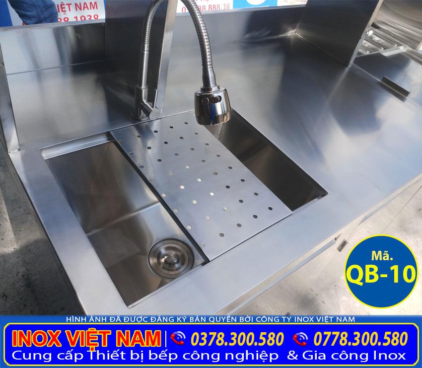 Quầy bar inox, quầy pha chế cafe inox, quầy pha chế trà sữa inox. Được gia công từ chất liệu inox 304 cao cấp (Ảnh thật tế).