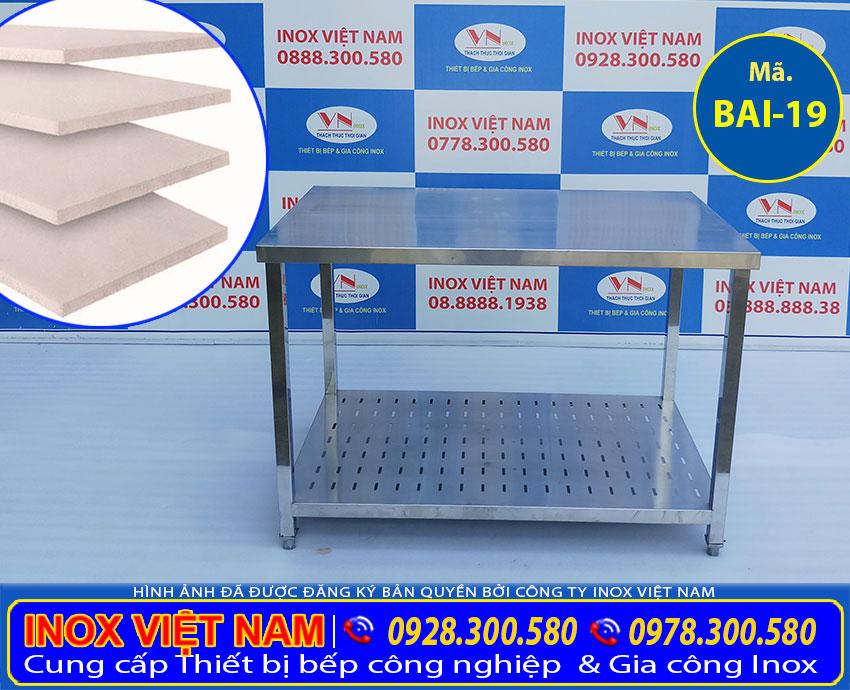 Bàn chặt inox 2 tầng có lót cemboard tăng cứng chống ồn BAI-19 (Ảnh thật tế).