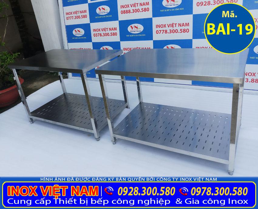 Bộ bàn sơ chế inox kệ phẳng đục lỗ, bàn chặt inox 2 tầng có lót cemboard tăng cứng chống ồn BAI-19 (Ảnh thật tế).