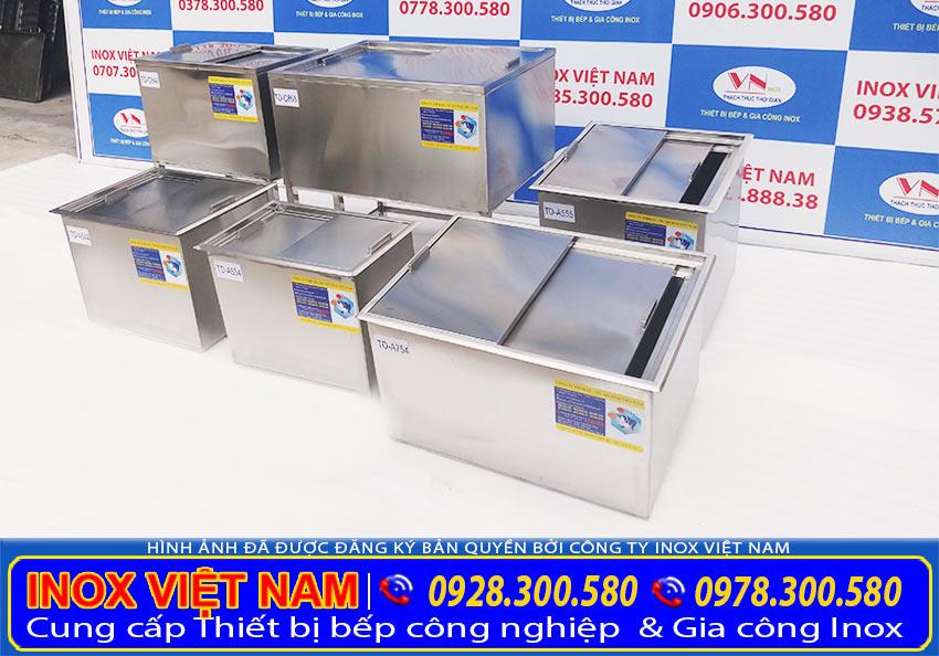 Bộ sản phẩm thùng đá inox của Inox Việt Nam gồm thùng đá inox âm bàn, thùng đá inox có khung chân (Ảnh thật tế).