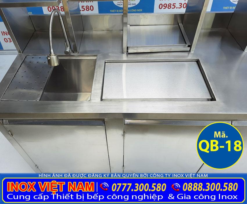 Chi tiết thùng đá inox quầy bar và chậu rửa quầy bar được tích hợp sẵn trong quầy pha chế inox 1m6 QB-18.