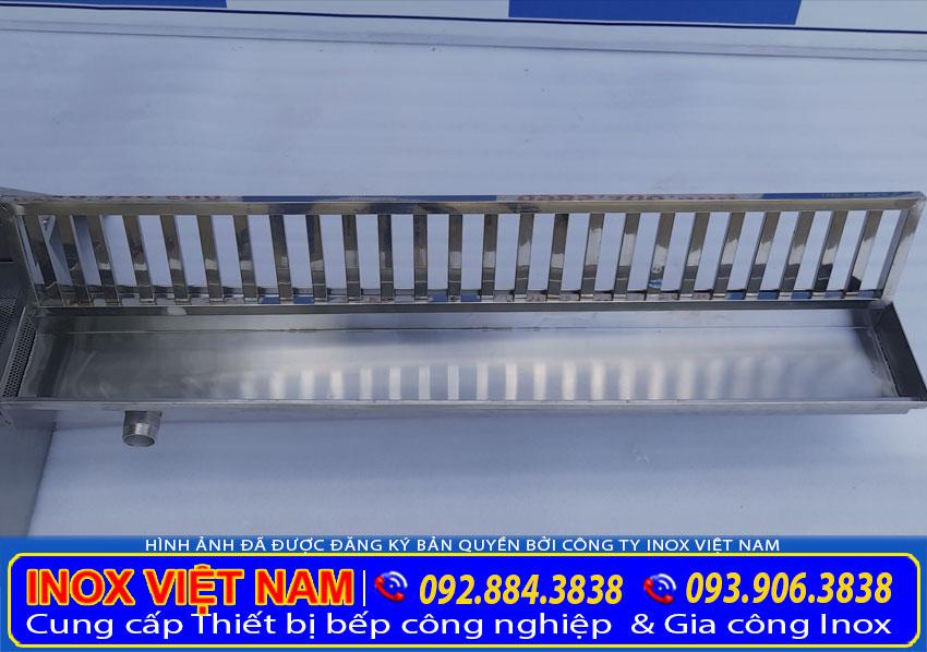 Vỉ thoát sàn, vỉ thoát nước inox, mương thoát sàn inox là sản phẩm được gia công hoàn toàn bằng chất liệu inox 304 không gỉ.