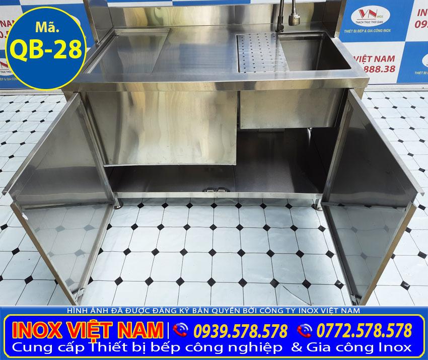 Chi tiết 2 cửa tủ quầy pha chế trà sữa inox, quầy bar inox 304.