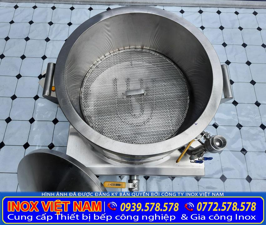 Thân nồi hấp bánh bèo điện với 2 lớp dày dặn bằng inox 304. Và có xen giữa lớp foam cách nhiệt để giữ được nhiệt lâu hơn.