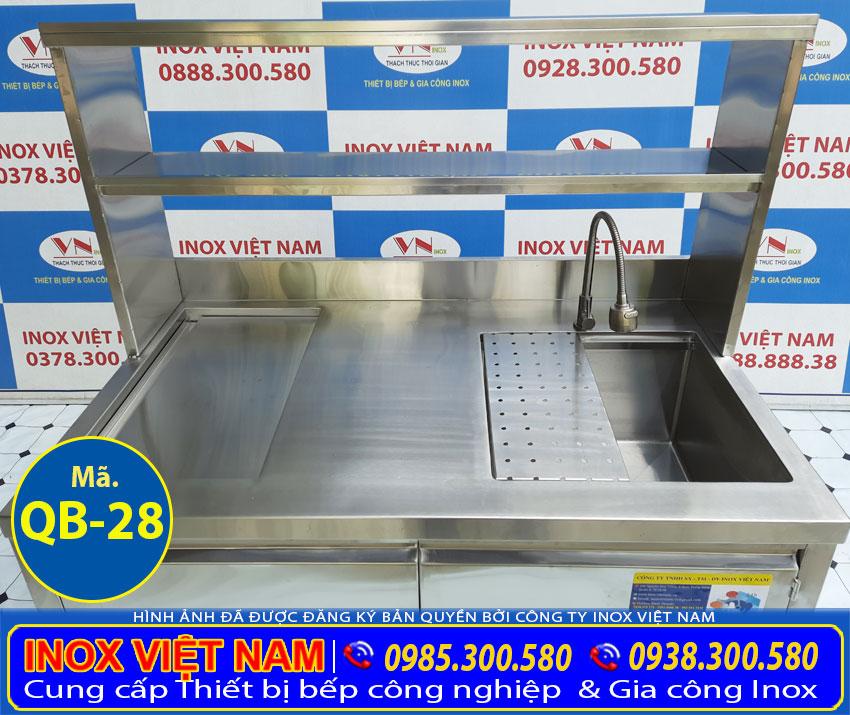 Chi tiết phần khung kệ inox được gia công từ chất liệu inox 304 cao cấp bền đẹp.