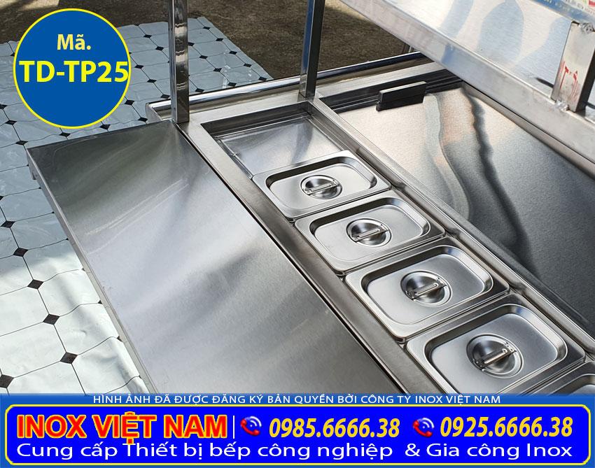 Khay đựng topping inox là thiết bị dùng để đựng các loại topping khác nhau sử dụng trong việc pha chế thức uống.
