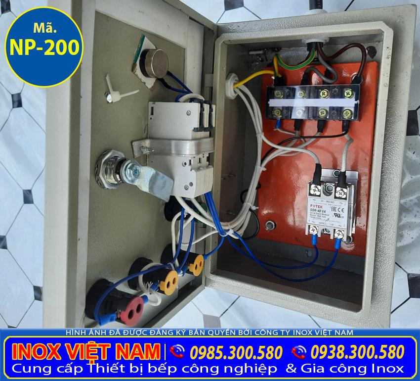 Chi tiết hộp điện điều khiển nồi điện nấu phở sử dụng thanh nhiệt.