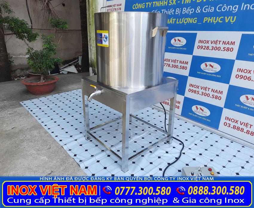 Nồi đun nước sôi công nghiệp hay còn gọi là nồi nấu nước sôi công nghiệp.  Với thiết kế đẹp sang trọng, chất liệu inox 304 cao cấp. Đảm bảo   sử dụng nồi đun nước bằng điện của Inox Việt Nam. Sẽ là những trải nghiệm thật tuyệt vời.