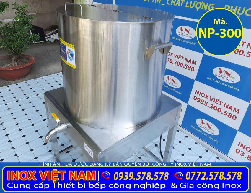 Nồi nấu phở bằng điện được gia công từ chất liệu inox 304 cao cấp.