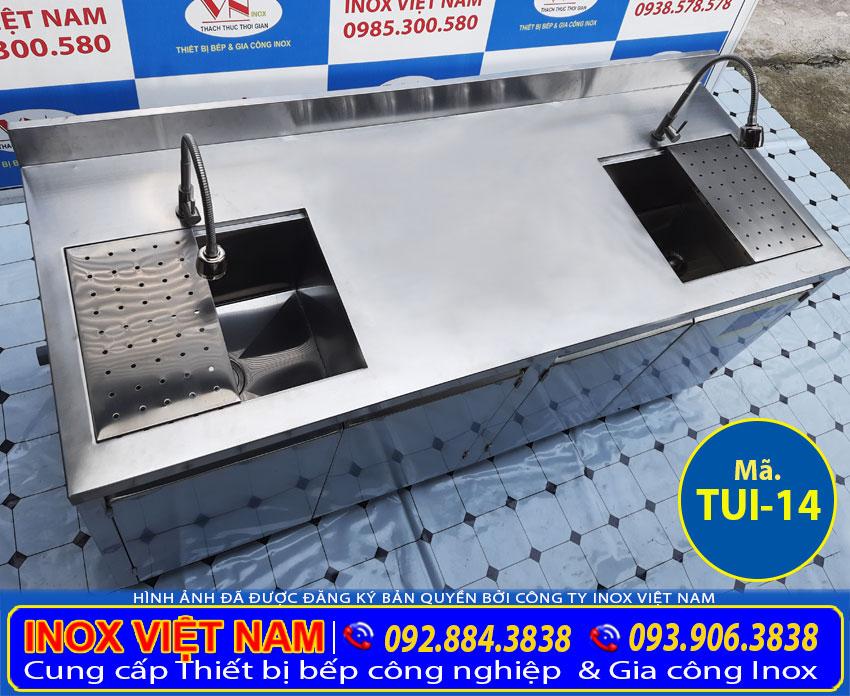 Chi tiết góc trên tủ inox có 2 bồn rửa TUI-14.