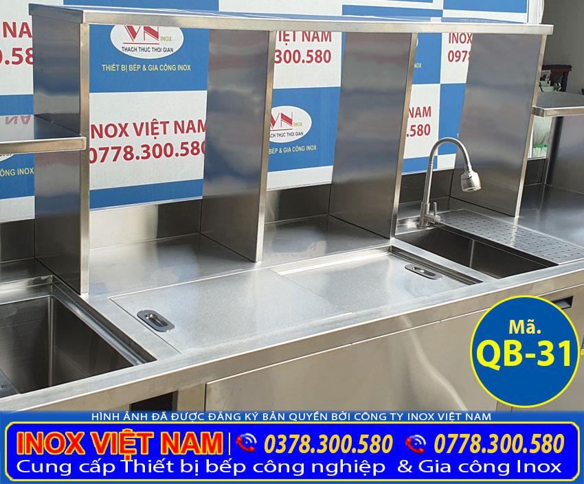 Các khung kệ quầy pha chế trà sữa inox được gia công từ chất liệu inox 304 cao cấp.
